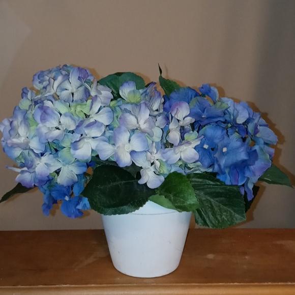 Faux Hydrangea flower bunch in pot